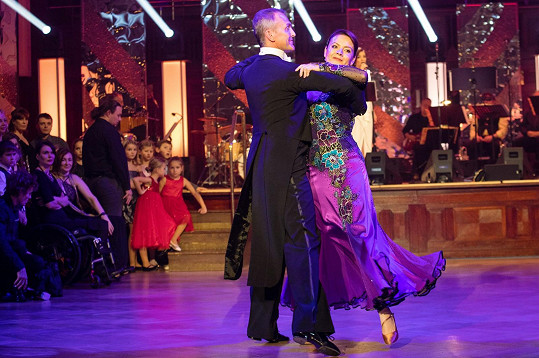 Jolana Voldánová a Jan Tománek tančili waltz.
