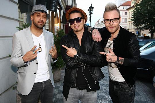 Ve čtvrtek večer se v pražském K.U. baru křtil nový singl Belive. V písni z produkce Marcuse Benoise Trana zazní kromě zpěvu Jaro Smejkala hlas amerického rappera Davida Hi-Def Tuschera.