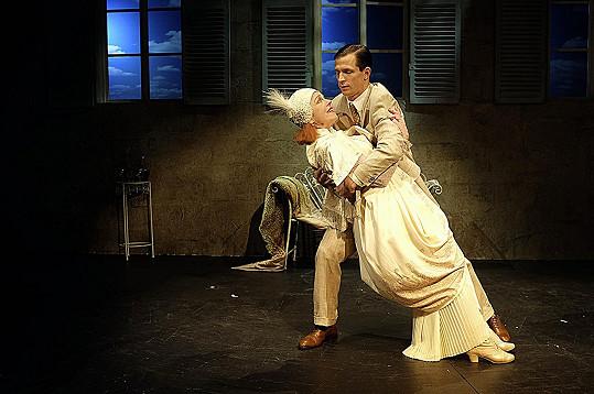 Herečka jako Božská Sarah s Igorem Orozovičem