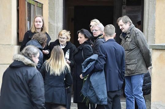 Rodina se loučí s Robertem Hlavatým.
