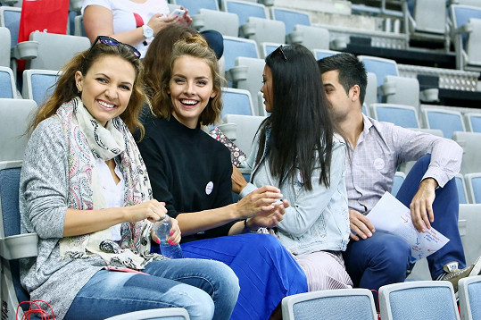 Gábina s kamarády na tréninku české hokejové reprezentace.