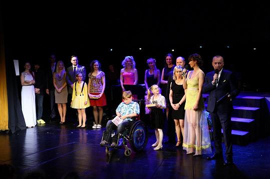 V Semaforu podpořila charitativní koncert pro chlapečka Ládíka. Díky koncertu bude mít Ládík nový vozík.