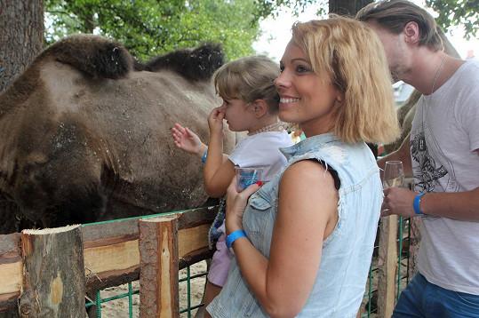A prohlédli si i zvířata v zoo parku Berousek.