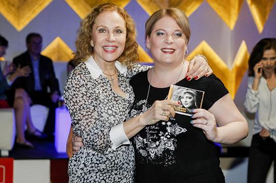 Petru přijela podpořit také maminka, herečka Zora Ulla Keslerová.
