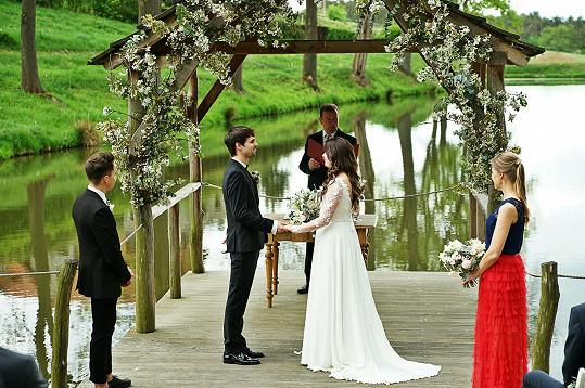 Svatba se uskutečnila v opravdu kouzelném prostředí.