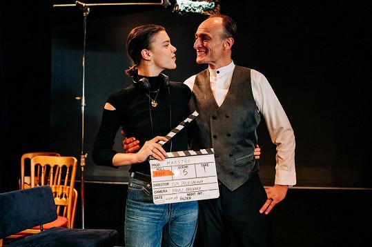 V jejím posledním filmu Maestro hraje hlavní roli Karel Dobrý.