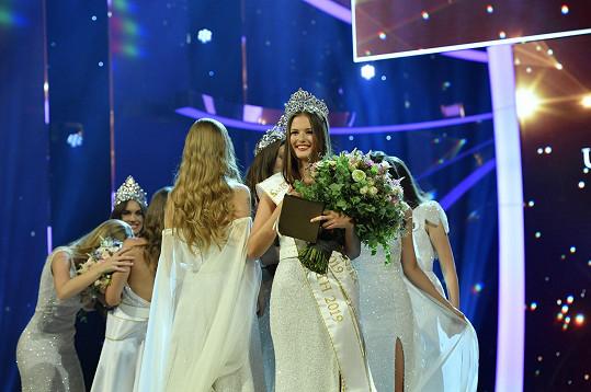 Československou Miss se stala mladičká Klára Vavrušková.