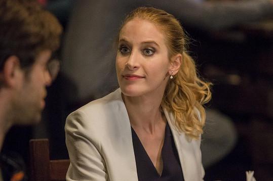 Marie Renčová jako Hanka v seriálu Krejzovi
