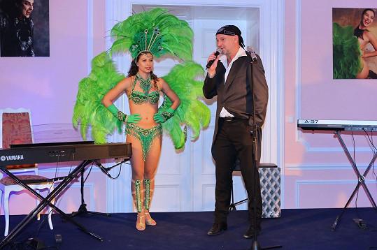 Veronika Lálová tančila na křtu diáře fotografa Jakuba Ludvíka.
