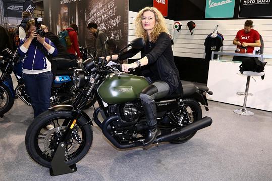 A jednu motorku si samozřejmě vyzkoušela.