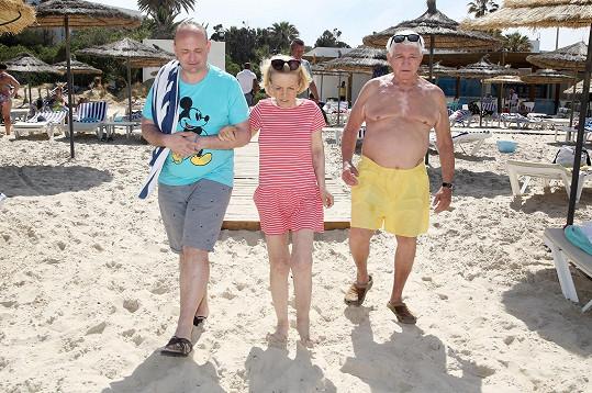 Na pláž je doprodvodil ředitel soutěže Muž roku David Novotný.
