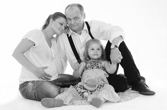 Antonie Talacková a Igor Bareš si těsně před porodem Lojzíka pořídili vzpomínkové foto.