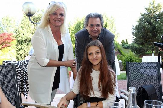 Dcera Slávka Boury a Markéty Mayerové Agáta měla naštěstí jen lehké příznaky.