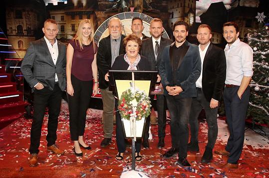 Leona Machálková se v pořadu Máme rádi Česko potkala mimo jiné i s Filipem Renčem, Petrou Kvitovou (vlevo) či Jiřinou Bohdalovou.