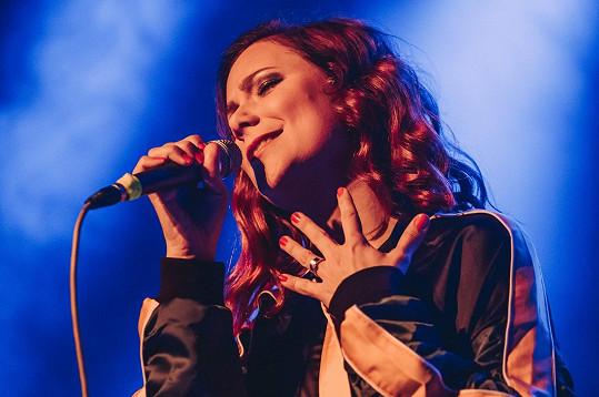 Ivana měla svůj první velký koncert s kapelou.