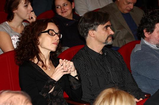Martin Myšička s manželkou na premiéře televizního filmu Zločin z Polné