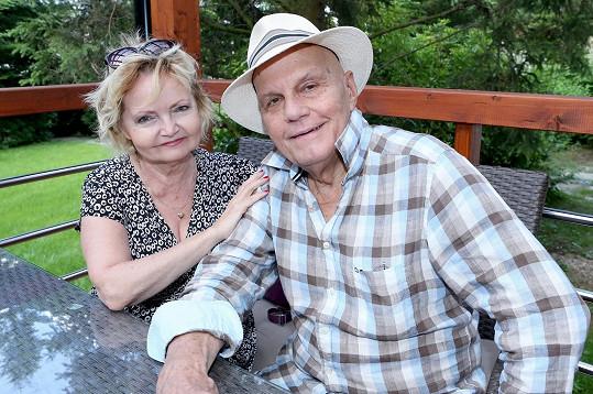 Jan Přeučil a Eva Hrušková se těší na vnouče.