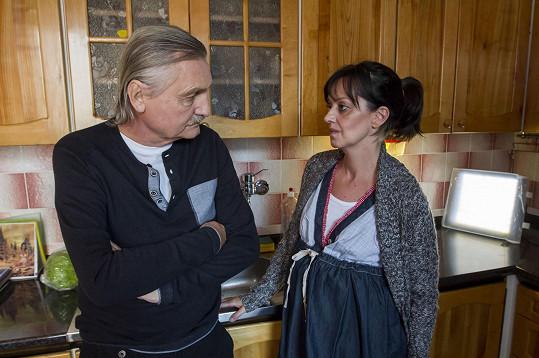 Tereza Brodská si zahrála lékařku, kterou manžel psychicky týrá.