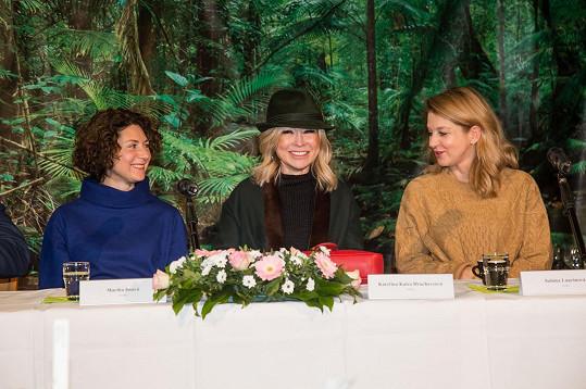 Kromě Sabiny Laurinové se patronkami botanické zahrady pro letošní rok staly Kaira Hrachovcová a Martha Issová (vlevo).