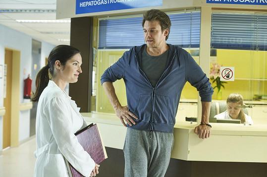 V seriálu Pan profesor ji jako lékařku okouzlí učitel Marek…