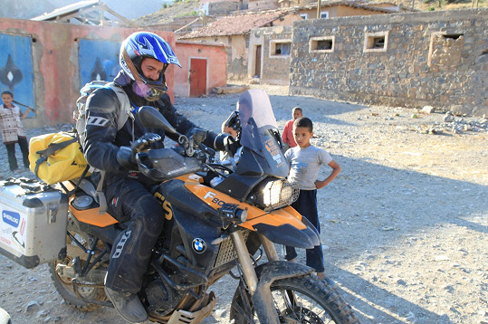 Na motorce se Vašek naučil jezdit už ve dvanácti letech.