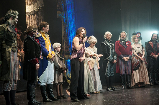 Spolu s herci jim tleskalo celé Divadlo Hybernia.