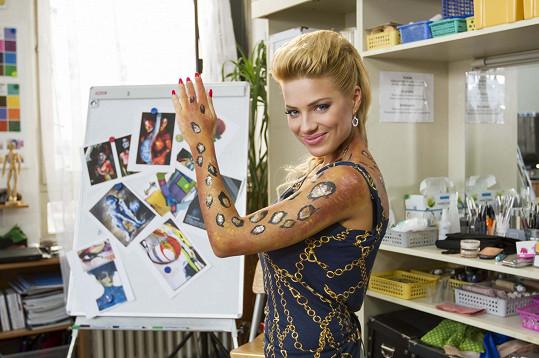 Eva Perkausová je také moderátorkou.
