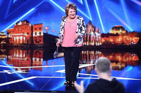 Jiřina Bohdalová si vyzkoušela i číslo s kouzelníkem.
