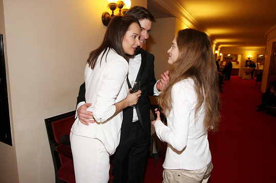 Vladimír Polívka a Karolína Krézlová po premiéře v Národním divadle