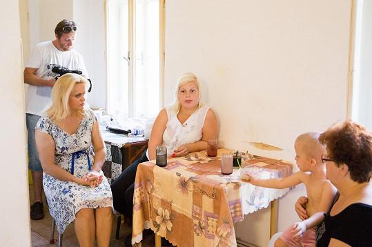 Pomáhá řešit komplikované vztahy v rodině.