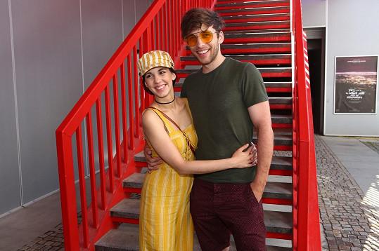 Roman s manželkou Míšou na zahájení žižkovské letní scény Divadla Kalich