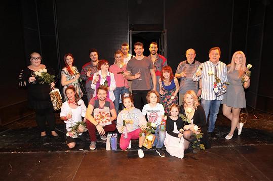 Herci Divadla Broadway při posledním letošním představení