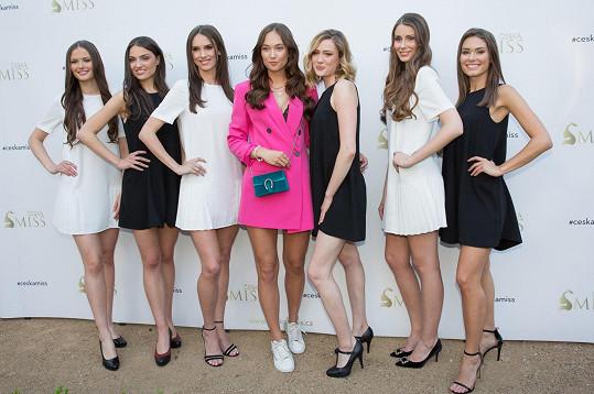 Lea s finalistkami České Miss 2019