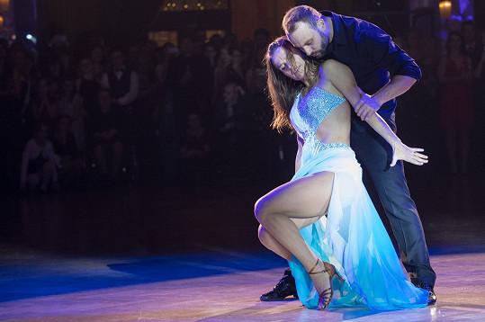 Účasti ve StarDance Olga nelituje a tančení si užívá.