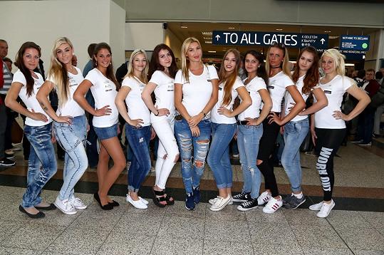 Dominika s adeptkami na modeling před odletem