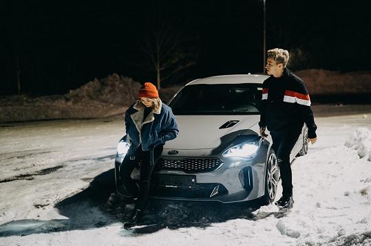 Videoklip k písní Spolu/Sami se natáčel v zasněženém Liberci.