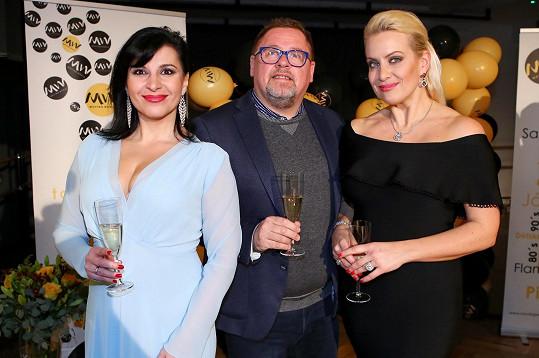 Václav s operními pěvkyněmi Andreou Kalivodovou a Terezou Mátlovou, které na akci vystoupily.