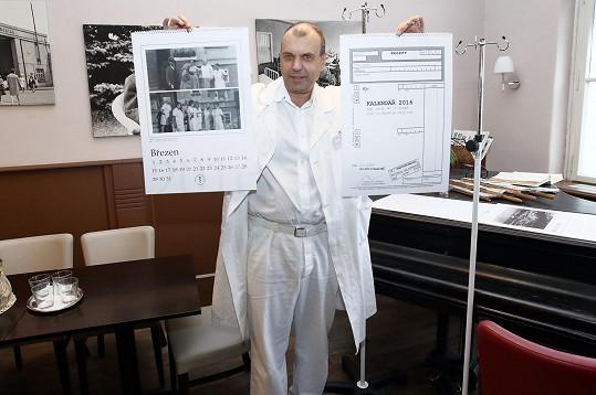 Petr Rychlý jako kmotr charitativního kalendáře