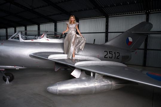 Fotilo se v prostorách Aero Vodochody a Leteckého muzea ve Kbelích.