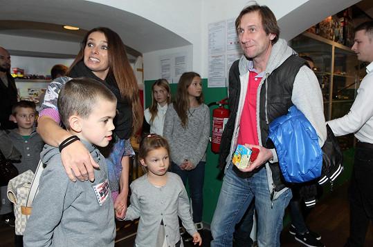 Dětí celebrit bylo na akci všude plno.