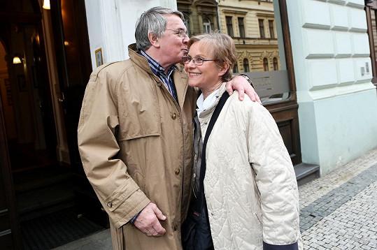 Marta Vančurová a Vlastimil Harapes si měli co říct.