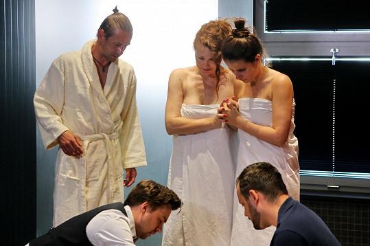 V seriálu Modrý kód byla svědkem kolapsu muže, kterému neudělala dobře návštěva sauny.