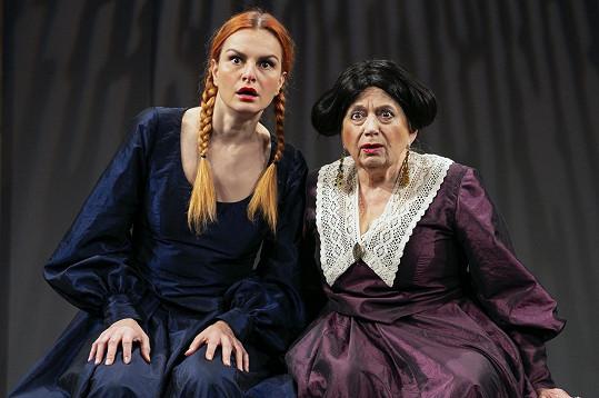 Zuzana Kronerová a Iva Pazderková (Marja Antonovna)
