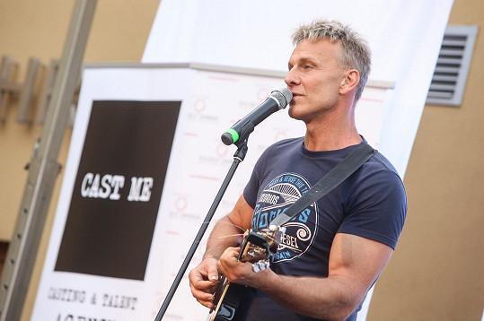 Martin Maxa vystupoval na soustředění soutěže Muž roku.