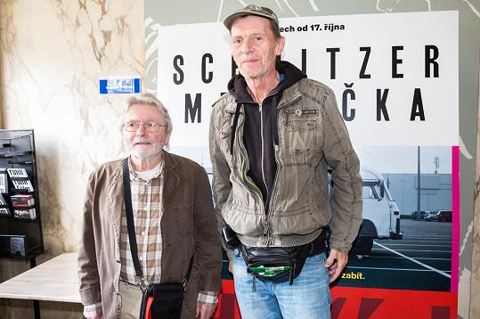Ladislav Mrkvička s Jiřím Schmitzerem na uvedení filmu