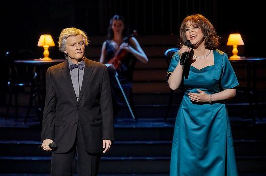 V duetu hostovala Markéta Konvičková, která ztvárnila Marii Rottrovou.