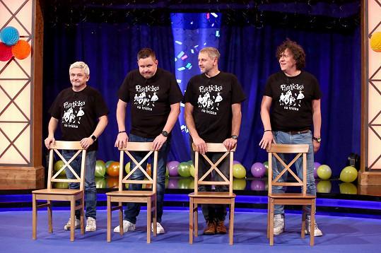 Oblíbený moderátor uvádí pořad Partička v Čechách i na Slovensku. Jeho kolegové ze slovenské show jsou údajně také pozitivní.