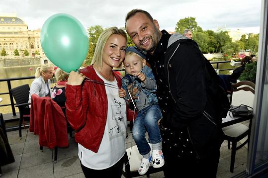 Tanečník Marek Dědík s manželkou a synem