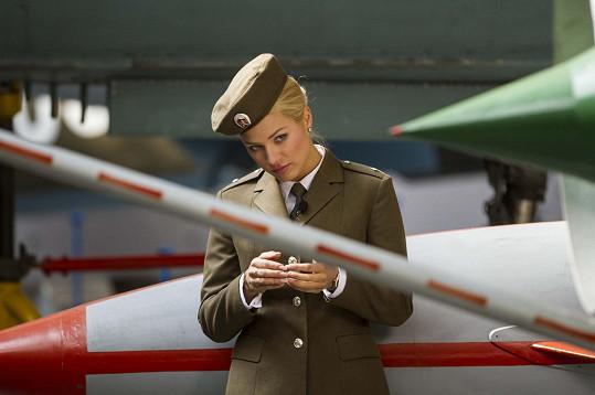 Naopak ve vojenské uniformě se necítila vůbec příjemně. Vojín Benjaminová z ní prý nebude.