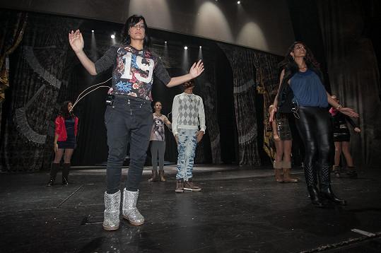 Před představením děti pilně cvičily...